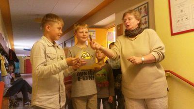 Ehrung der Vorlesewettbewerbssieger Henry und Maximus in unserer Schule